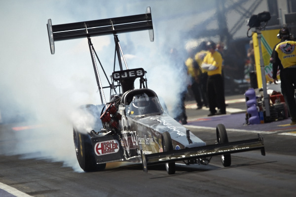 Bob Vandergriff Jr and his Canadian crew chief Rob Flynn won in Top Fuel