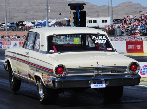Tibor Kadar just missed giving car owner Tom Nolan (Lacombe AB) his first national event win.  Nolan's spectacular A/SA '64 Fairlane was runner-up in Stock eliminator.