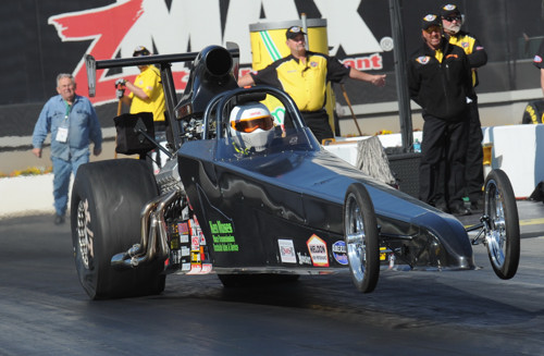 Ken Moses won in the event's added attraction Top Dragster eliminator.