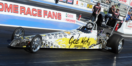 Jodi won with her new Top Dragster during her first ever IHRA event on July 7th!