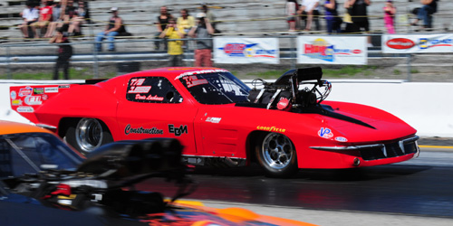 Quebec's Denis Lachance made his PMRA circuit debut racing his great looking '63 Corvette