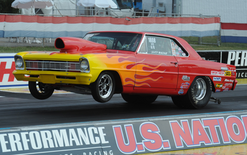 Canadian born and truly good guy Scott Mackie entered his great looking '67 Nova in Super Gas.