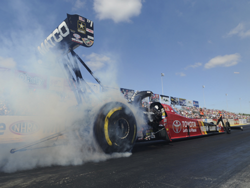 Defending world champion Antron Brown ended his mini-slump in Top Fuel