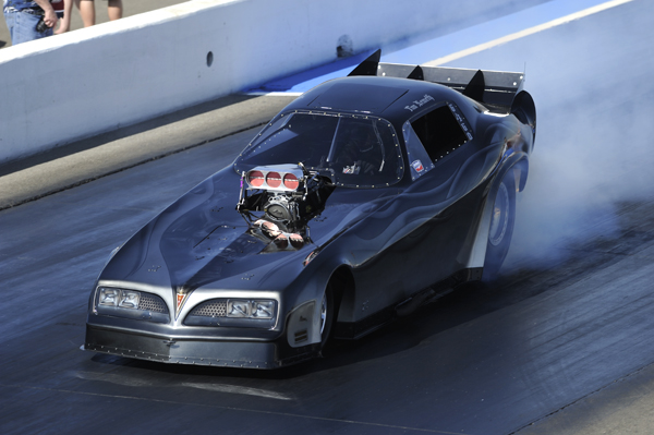 Tim Nemeth from Chilliwack BC qualified #1 in Nitro Funny Car with 5.693 secs at 253.42 mph.