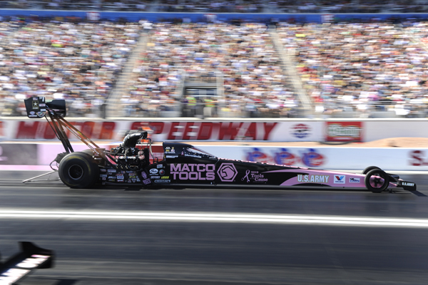 Antron Brown's 4th win of the season put him up to 2nd in NHRA TF points.