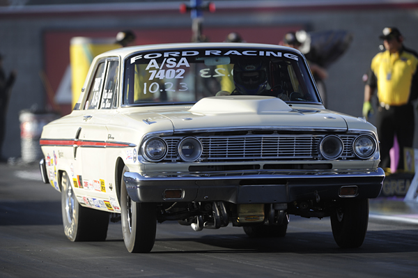 For the 2nd year in a row at Las Vegas-2 - the fantastic Ford Fairlane owned by Alberta's Tom Nolan went to very late rounds in Stock.  His driver Tibor Kadar took the classic car to the semi-final round.