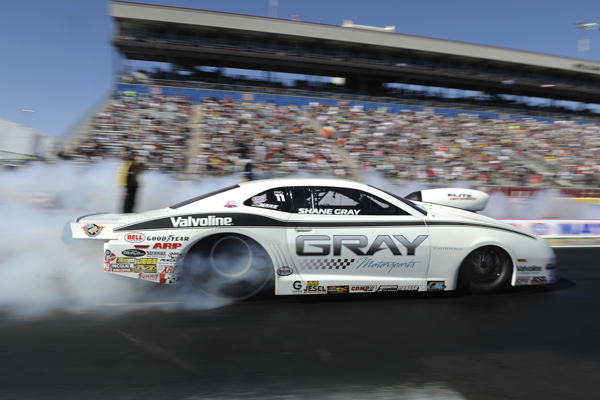 Shane Gray continued his strong late season surge by winning in Pro Stock