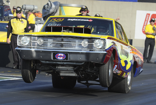 New Brunswick's Mark Howes drove one of two Hemi cars entered by he and his father Wendall at Reading.  Mark qualified his '68 Dart with a 8.759 secs.