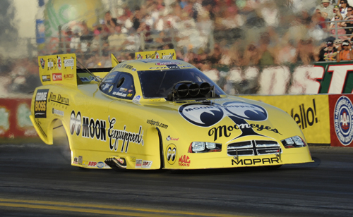 Toronto-native Jeff Arend drove the great looking Mooneyes/Jim Dunn Racing  Dodge at Pomona and was rewarded with a season's best qualifier - 4.067 secs (Nice!) good for #8.  Jeff beat Tim Wilkerson in round #1 before losing out to the World Champ - John Force.