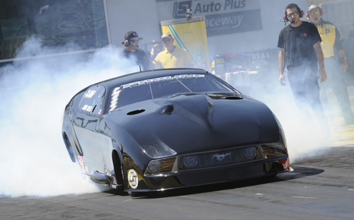 "Edmonton's Jim Bell continued his ""rumble"" to prominence in Pro Mod with a 5.958 secs qualifier."