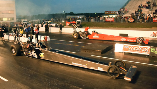 Jeff Veale (far lane) defeated Jackie Fricke in the TAD final round at VMP