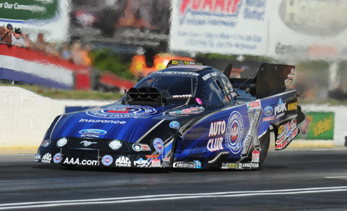 Robert Hight remained uber hot within NHRA fuel FC racing - winning this 3rd consecutive event.