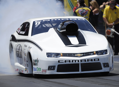 Shane Gray grabbed the pole in Pro Stock with a low ET/TS effort of 6.621 secs and 208.78 mph