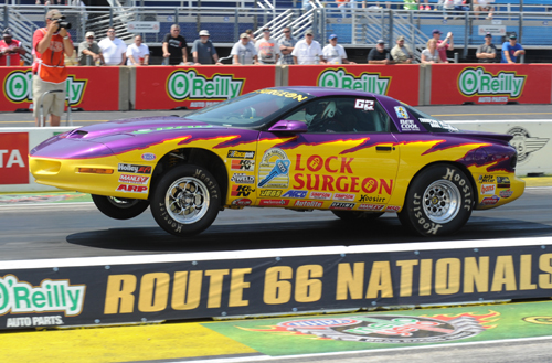 Edmonton's Casey Plaizier qualified his D/SA Firebird 5th - but fell to Robbie Shaw's Firebird in round one.