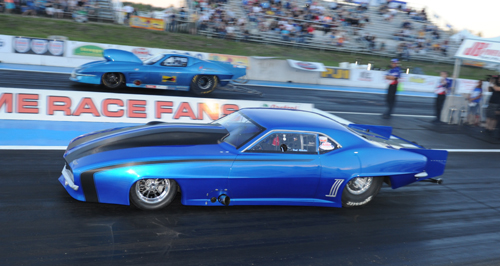 Pro Mod racing included a slew of great Western Canadian cars - including Paul Glandon (near lane) and Ross Hogenson