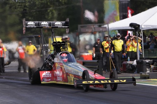Doug Kalitta roared to a win in Top Fuel with his Mac Tools-sponsored dragster