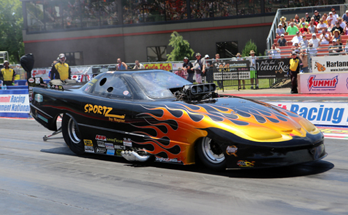 Tyler Scott (from Exeter ON) made his national event debut driving Larry Dobbs' car but his 6.233 fell well short of the 5.910 TAFC bump
