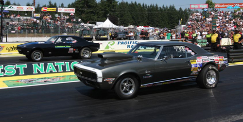 Scott Lowe (near lane) had a great effort in Super Street 10.90 -- finishing in round #4 with his Langley-based '68 Camaro