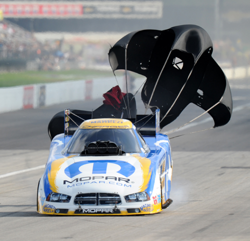 "Matt Hagan was the only FC in the ""3's"" at Indy - hitting a track record 3.998 secs to pace the field"