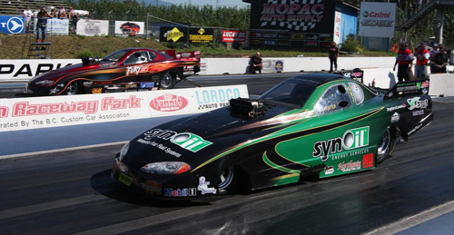 Greg Hunter (near lane) drove Geoff Goodwin's great looking Synoil Fluids Chevy to the TAFC title