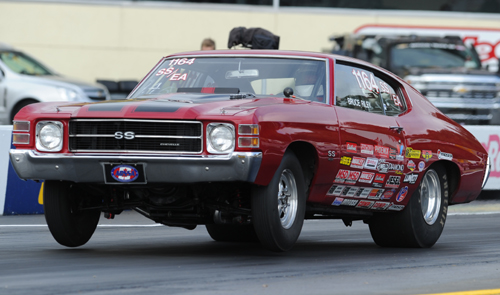 Nova Scotia's Bruce Riley qualified deep in Super Stock (#6) before falling to defending world champ Bryon Worner in round one.