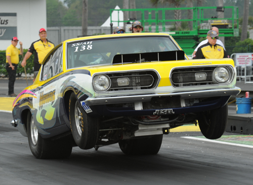 Wendall Howes had his high flying SS/AH Barracuda from the Maritimes down for Super Stock