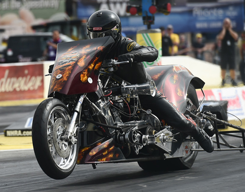 Mike Pelrine (from Ft. Saskatchewan AB) placed runner-up in the Top Fuel Harley eliminator.  He had a best run of 6.411 secs.
