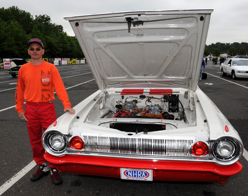 E-Town:  Montreal's Serge Couterier entered his truly classy '64 Dodge B/SA in Stock eliminator.