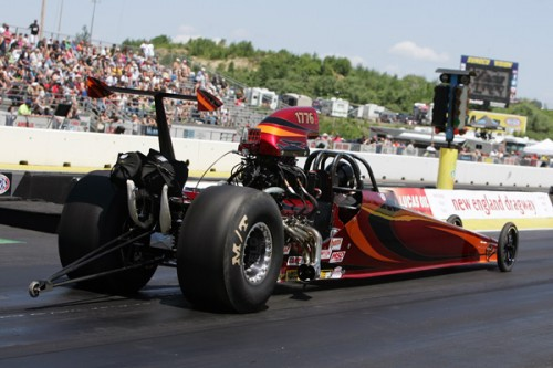 Epping:  Tom Orr entered his great looking new Top Dragster - but fell out early in class competition.