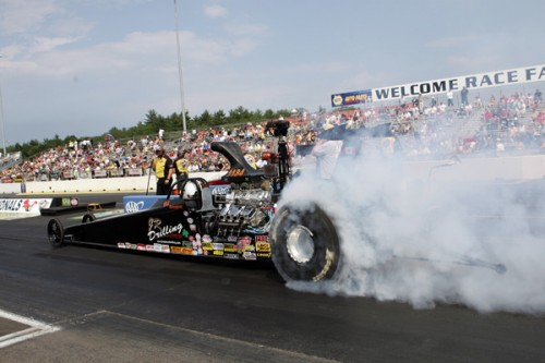 Brady & Bill Moloughney (from Shawville Quebec) entered their 2-car Top Dragster team at Epping - but both fell in round #1