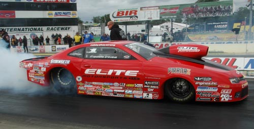 With her win Erica Enders-Stevens moved back to the top in NHRA Pro Stock points