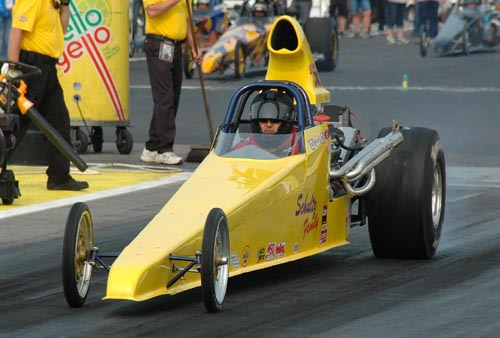 Robert Shultz (Ridgeville MB) raced the Schultz Family dragster to a 2nd round finish in S/C