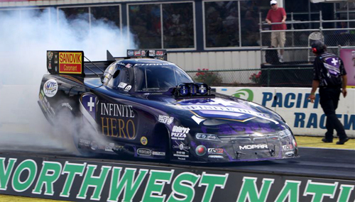 For the 2nd consecutive event - Jack Beckman reset the NHRA FC national ET record - this time to 3.912 secs.