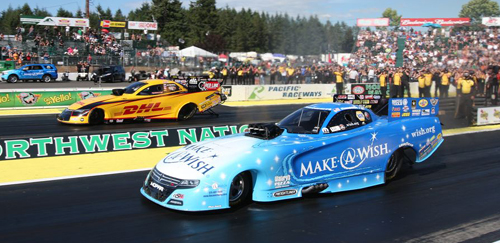 Tommy Johnson Jr held off Del Worsham in Seattle's fuel FC championship round.