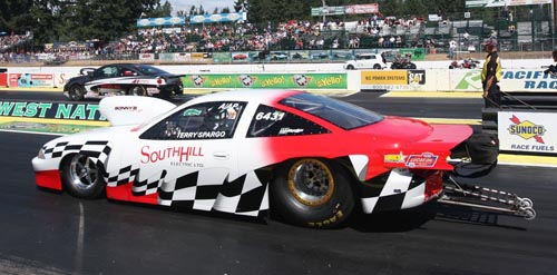 In round #1 of Comp - Justin Lamb (far lane) ran Ken Reich's car to a win over BC's Terry Spargo