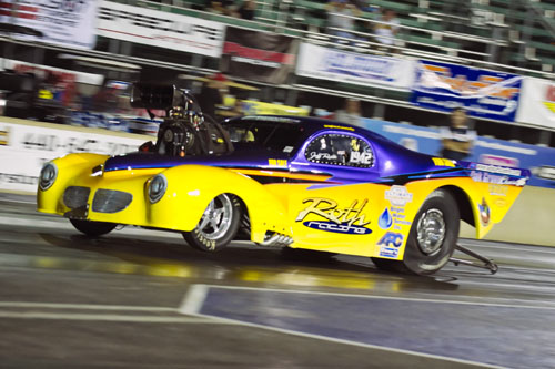 Jeff Roth was a fan favourite again at Norwalk racing his spectacular '41 Willys from New Dundee Ontario