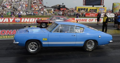 Toronto's Gus Mantas came very close in the Mopar Hemi Challenge event -- losing the final on a red-light start.