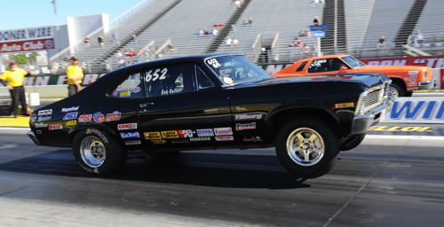 Bob Gullett (from Calgary) qualified his clean G/S '68 Nova #2 in Stock at -1.080