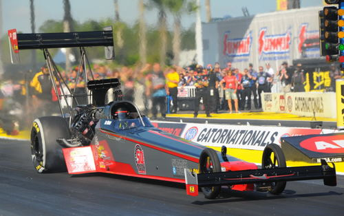 A truly nice effort from the Paton Racing Top Fuel car had Ike Maier qualify at 3.937 secs for #15.  He ran even quicker (3.920 secs) in round one but lost out to Clay Millican.