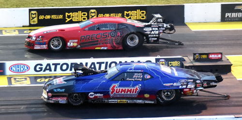 Jonathan Gray (far lane) hit a record quick 5.751 secs while racing Kenny Lang in round #1