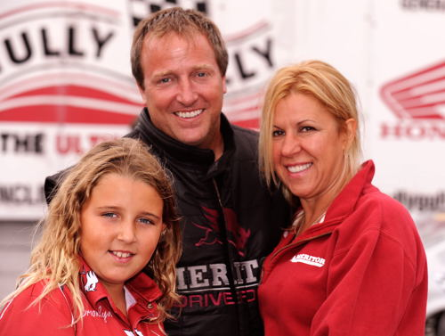 Paul Noakes with wife Gina and daughter Brooklyn