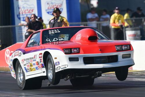 Saskatchewan's Grant Singer beat fellow provincial rival Abe Loewen in round #1 of Super Stock