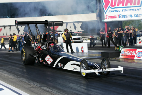 Quebec's Daniel Mercier qualified his injected nitro car #12 (5.394 secs) but was defeated by fellow Canadian Shawn Cowie in TAD round one - 5.314 secs to 5.365 secs.