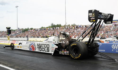 Popular driver Antron Brown drove the DSR/Matco Tools dragster to a convincing win in Top Fuel.