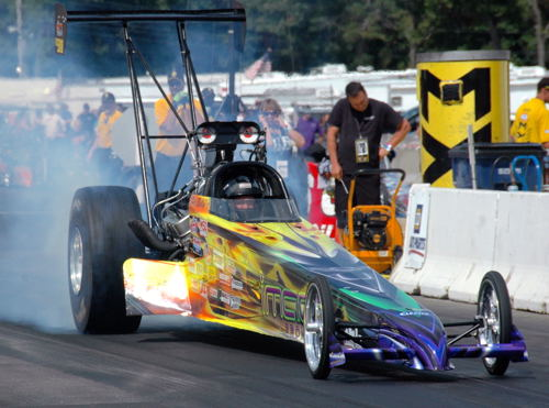 Daryl Forrest (from Winnipeg) raced his nice looking dragster in TD eliminator.