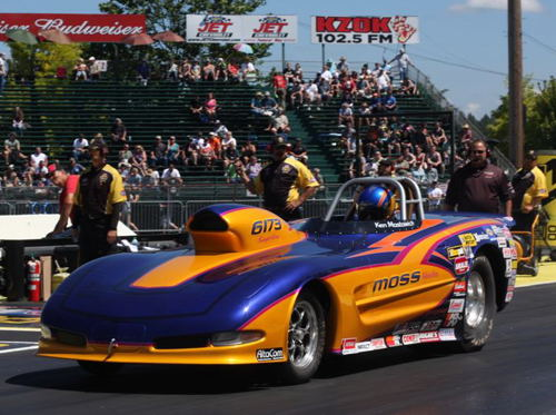 Calgary's Ken Mostowich went the furtherest for all Canadian cars in S/G with a 4th round placing in his Corvette.