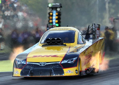 Del Worsham rocketed to an amazing 3.832 secs national record at Seattle