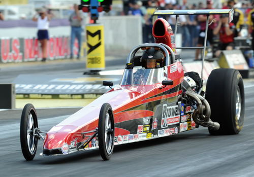 Brian Browell who relocated from Southern Ontario to Indiana many years ago remains a serious contender in Comp eliminator with his cool V-6 D/Dragster.