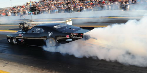 Wily independent Pro Mod racer Derek Hawker has scored the 2016 points championship for the USDRS