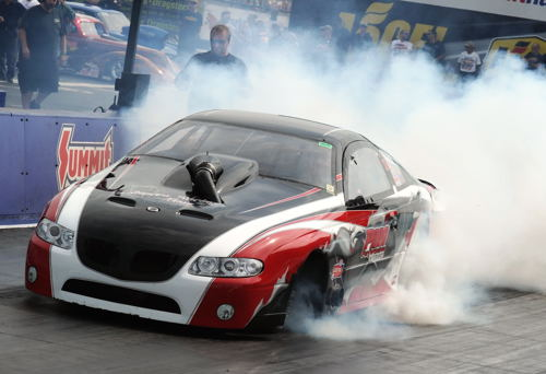 Attending fans just loved the hard core burnouts courtesy of Quebec's Fredrick Angers super cool turbocharged GTO.